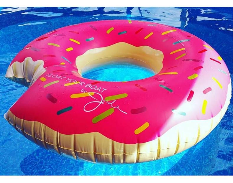 donut-float-790x621.jpg